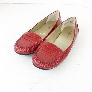 SZ 6 Red Patent Leather Me Too Loafer